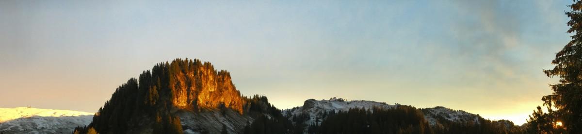 Neuschnee nach einem Ritual in den Bergen
